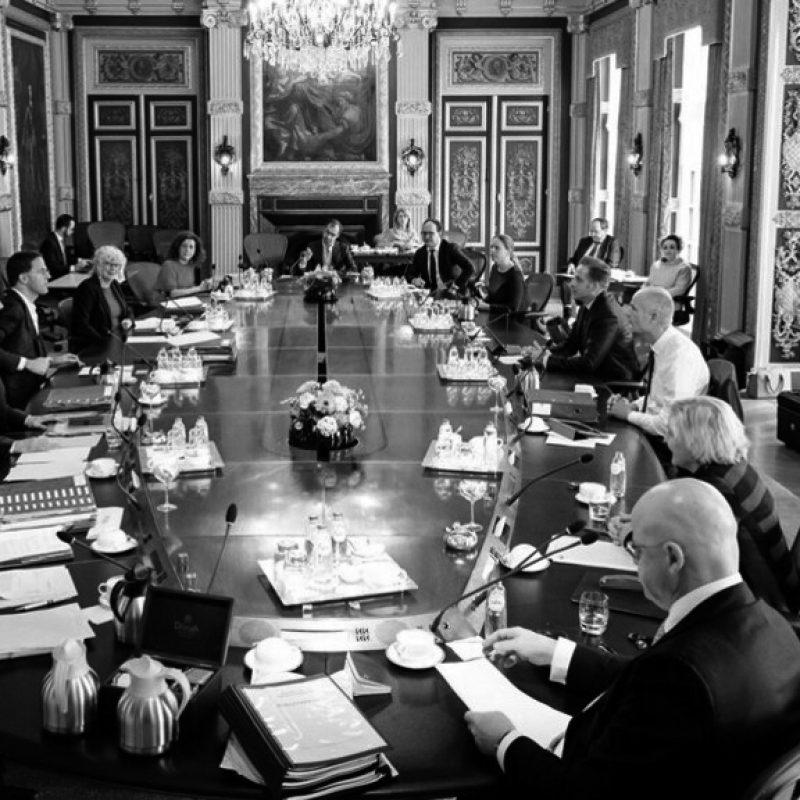 Ronde tafel politiek_gray